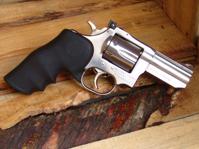 Revolvers  Smith amp Wesson